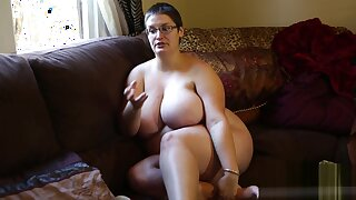 Mature Brunette Uses Doctor Tools Thither Masturbate With